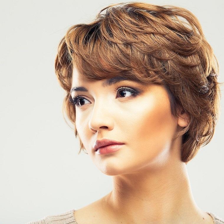 cheveux-idées-courtes-2019-style-femmes