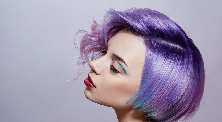 mode-coiffure-options-style-fille-cheveux-violet