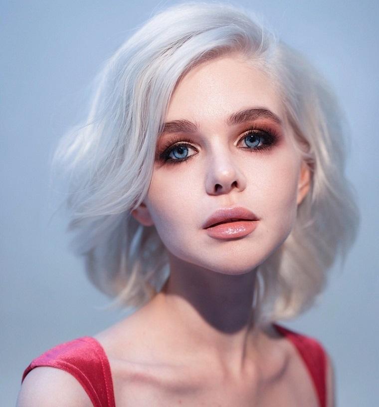coupes de cheveux-femmes-2019-cheveux-blonde-frisée