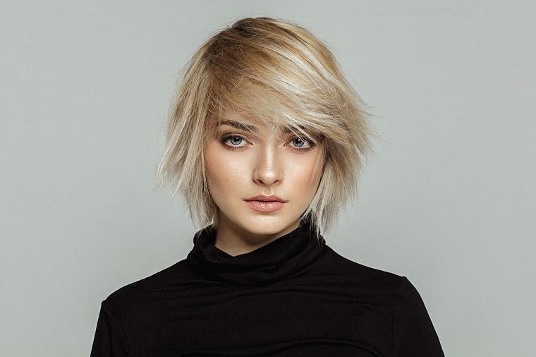 femme-blonde-cheveux-short-options-2019