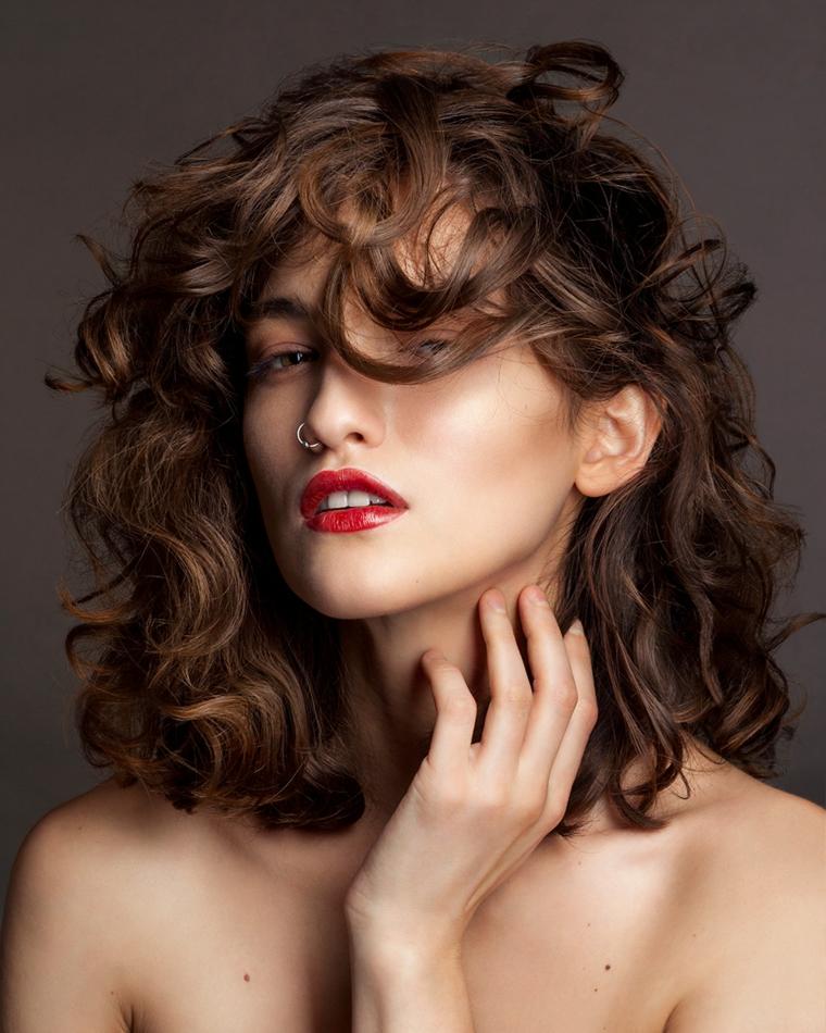 cheveux-bouclés-femme-options-2019