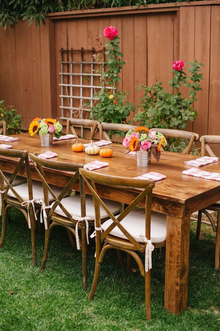 table-décorée-élégante-moderne