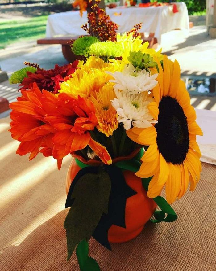 fleurs-saison-tournesols-table