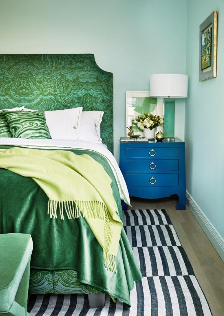 chambre à coucher-fleurs-idées-table de nuit