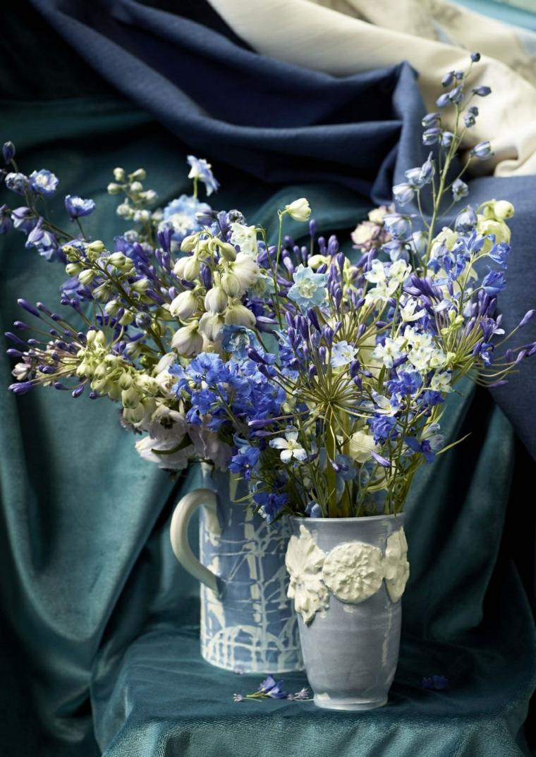 fleurs-bleu-blanc-vases-idees