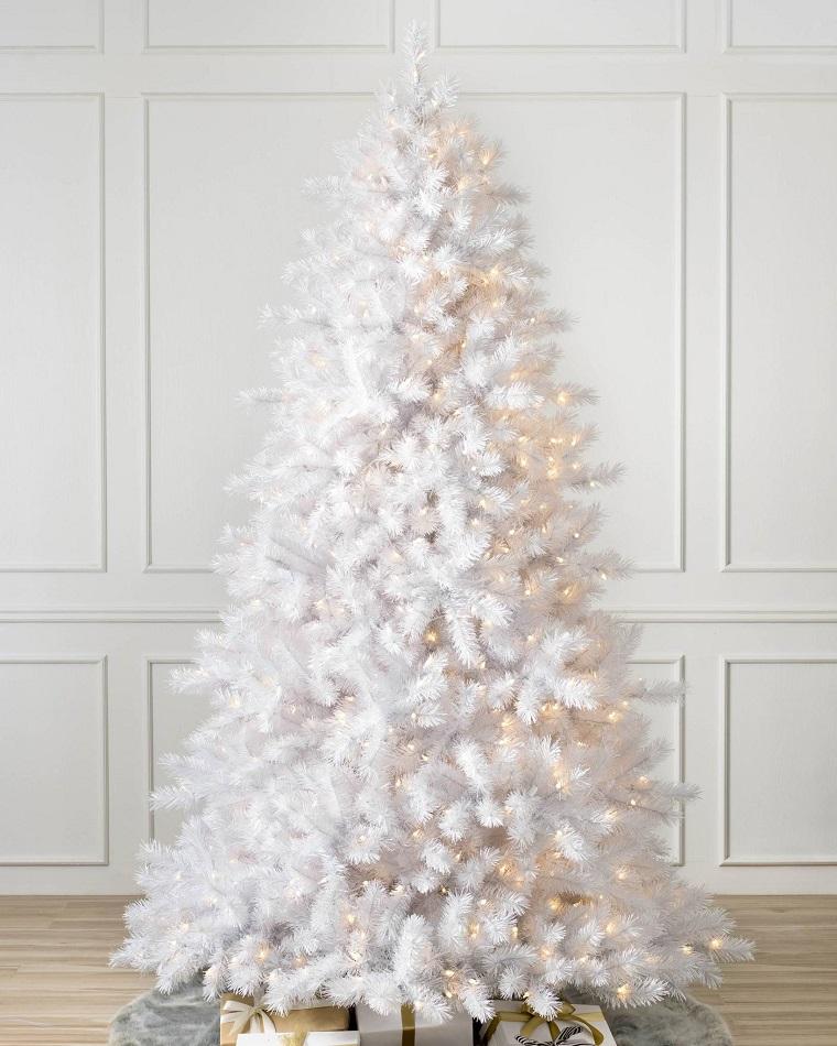 tree-christmas-classic-color-white-design