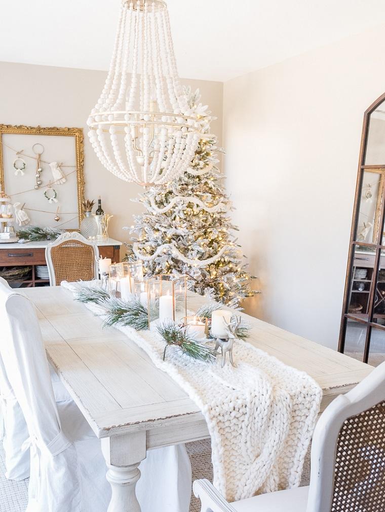 idées-décorer-diner-style-maison-noel-décoré-blanc