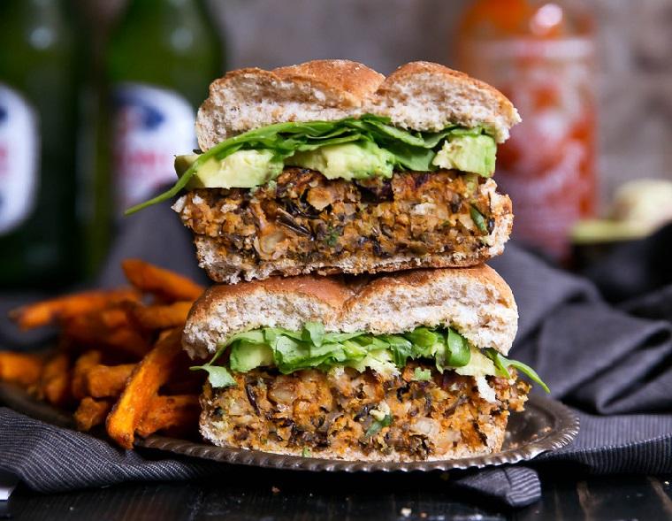 végétalien hamburgers-riz-sauvage-batata-recette-délicieux
