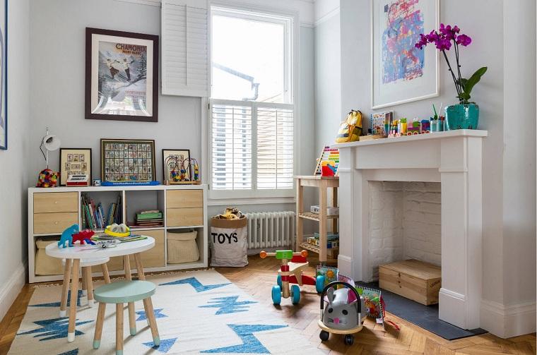 chambre à coucher-enfant-blanc-meubles-cheminée à bois