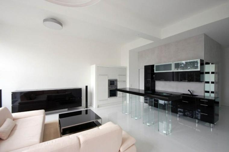 pièces noires minimalistes