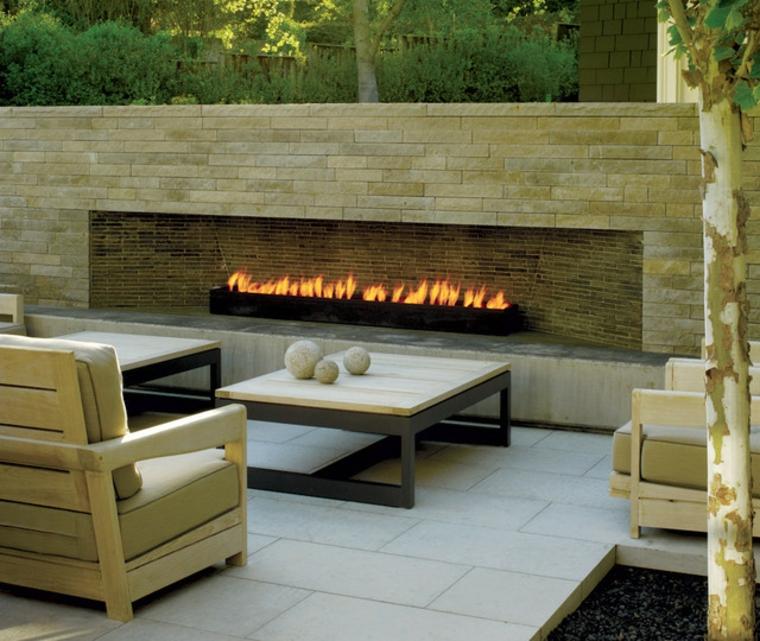 patio avec cheminée