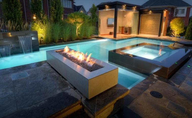 jardin avec cheminée