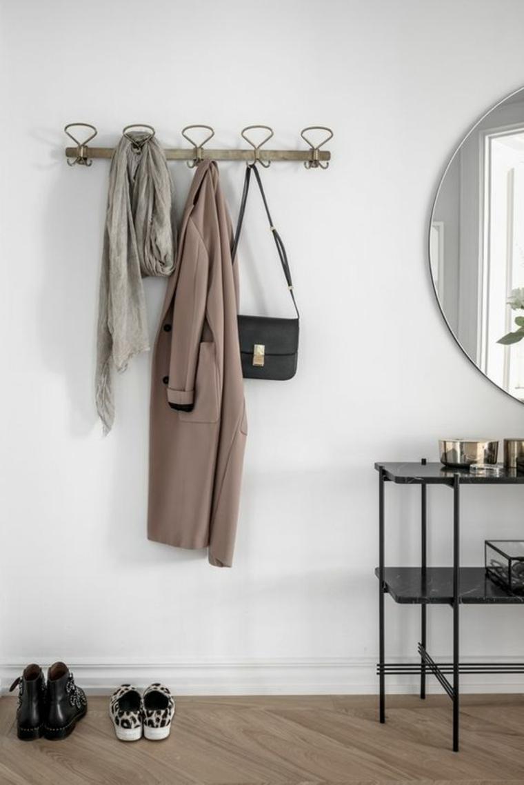 cintres pour vêtements minimalistes