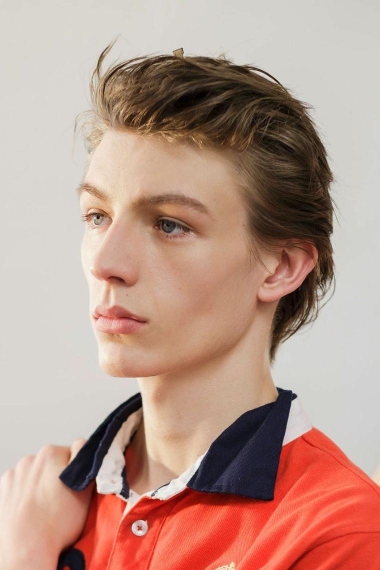 coiffures-homme-moderne-cheveux-brouillé-en arrière