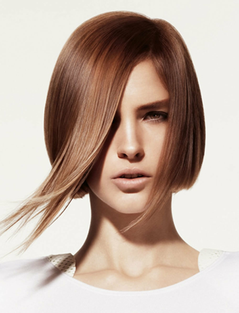 coiffures-mode-cheveux-lisse-coupe-moderne
