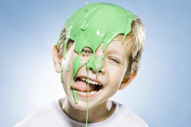 enfant-avec-slime-in-the-head