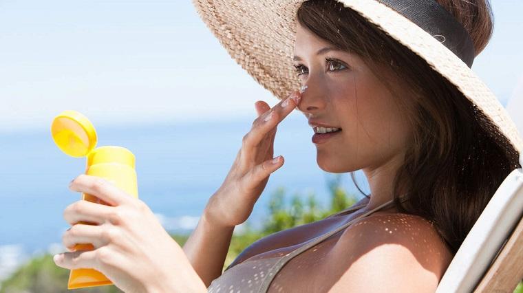 comment prendre soin de la peau-idées-protecteur-solaire-conseil.