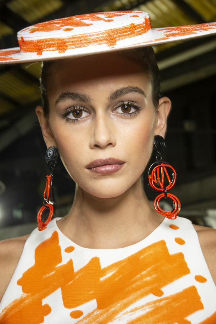 moschino-maquillaje-simple-estilo