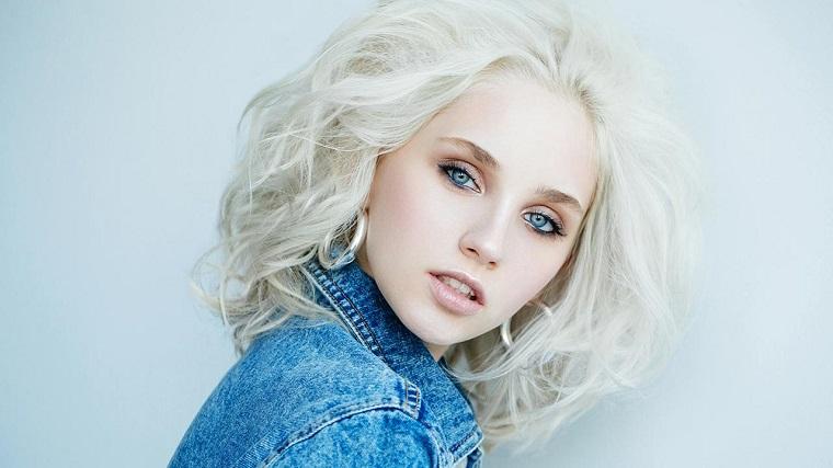 couleurs de cheveux à la mode 2018-ideas-blonde-platine-style-moderne