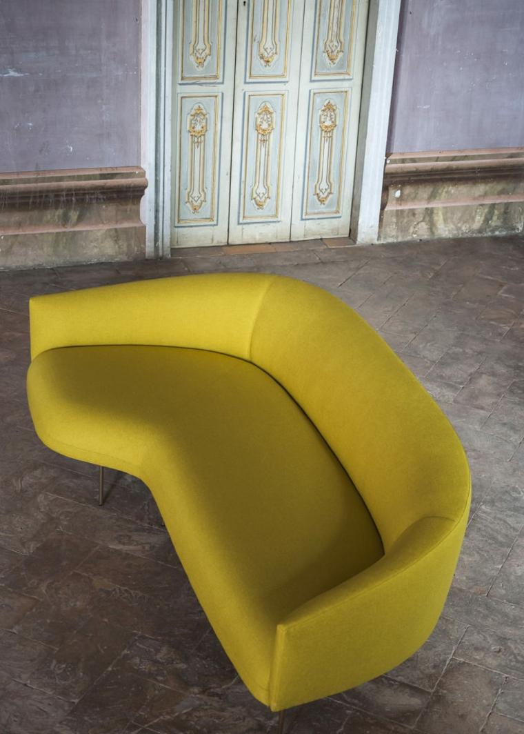 trend-interior-2019-color-sofa-yellow