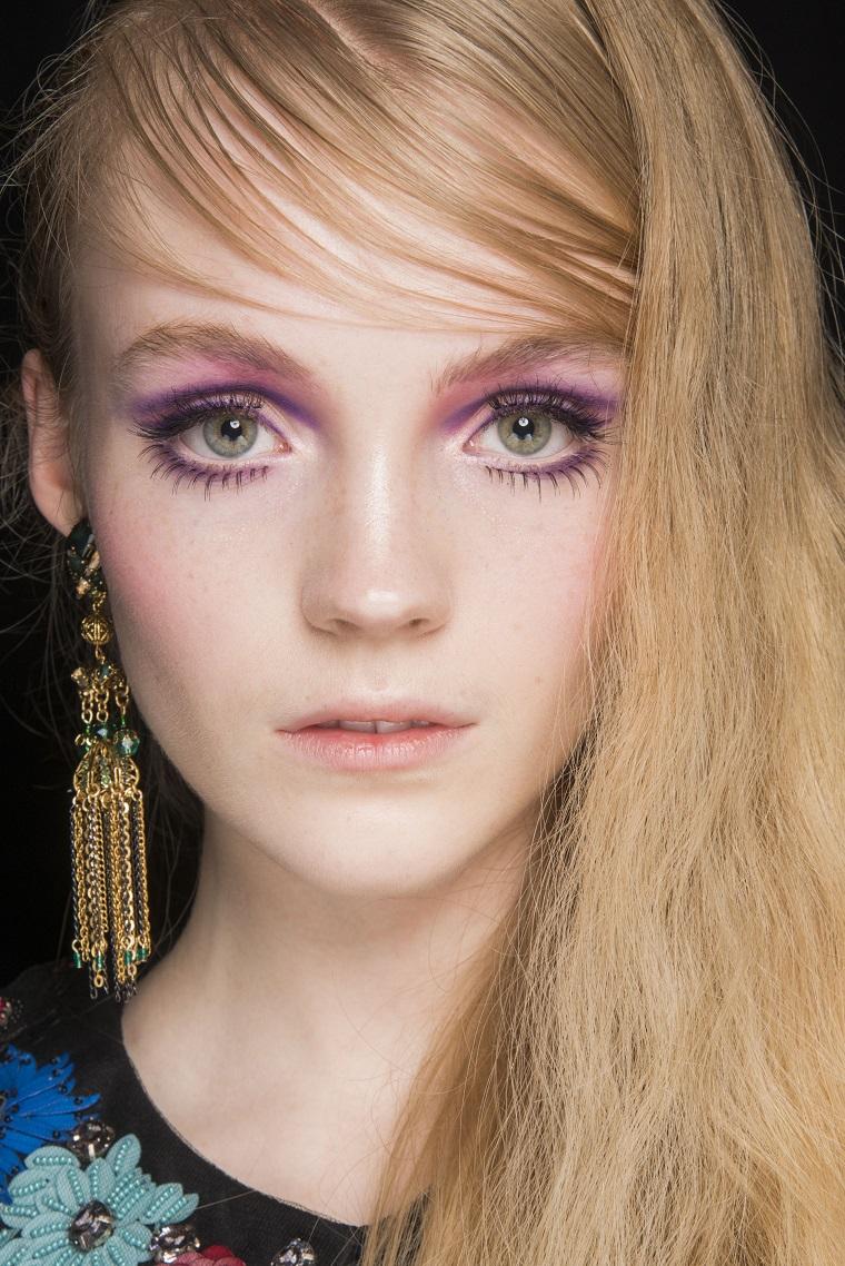 anna-sui-cheveux-blond-style-fashion