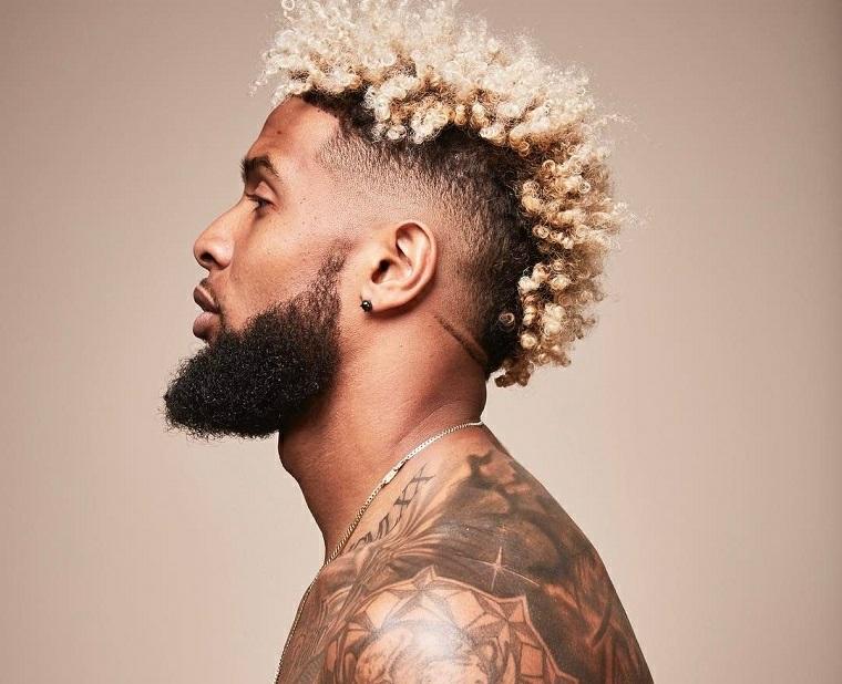 cheveux-blonde-frisée-homme-barab-idées