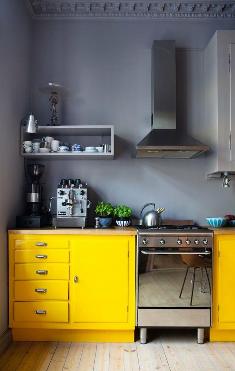 Petites cuisines aux couleurs vives