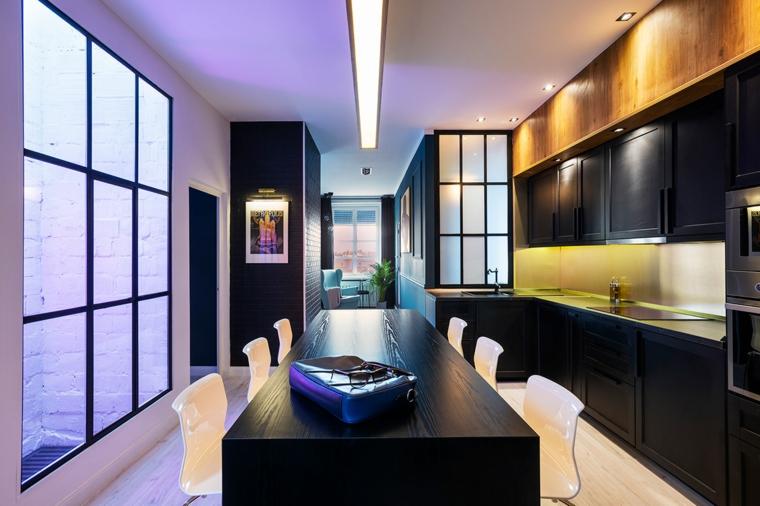 cuisine avec meubles noirs et ilot