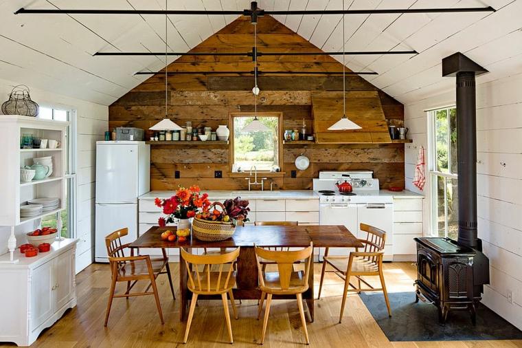 mur de bois dans la cuisine