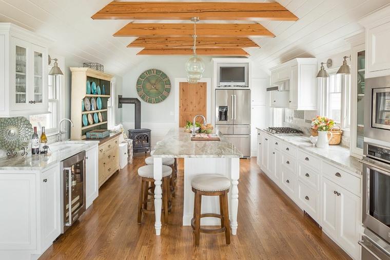 cuisine avec plancher en bois