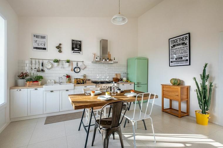 tableau de bord vintage dans la cuisine