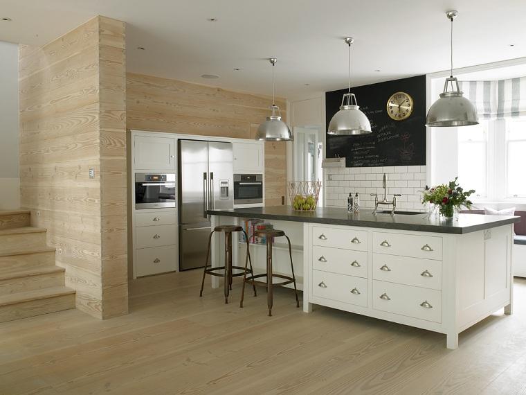 maison-large-île-cuisine-design-Stephen-Fletcher-Architects