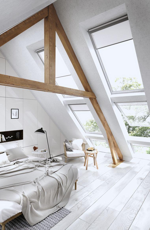 chambre à coucher avec de hauts plafonds