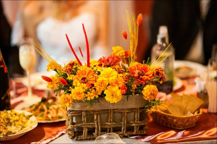 décoration intérieure-fleurs-table-automne