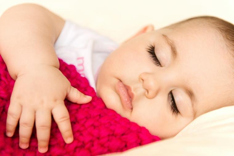 bébé dort toute la nuit