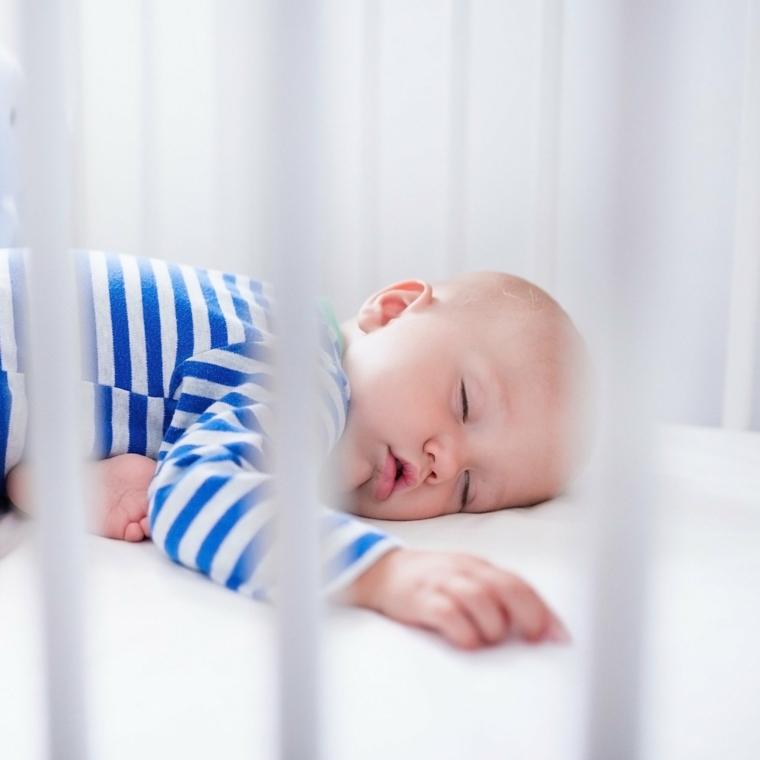 bébé-berceau-sommeil-calme-options