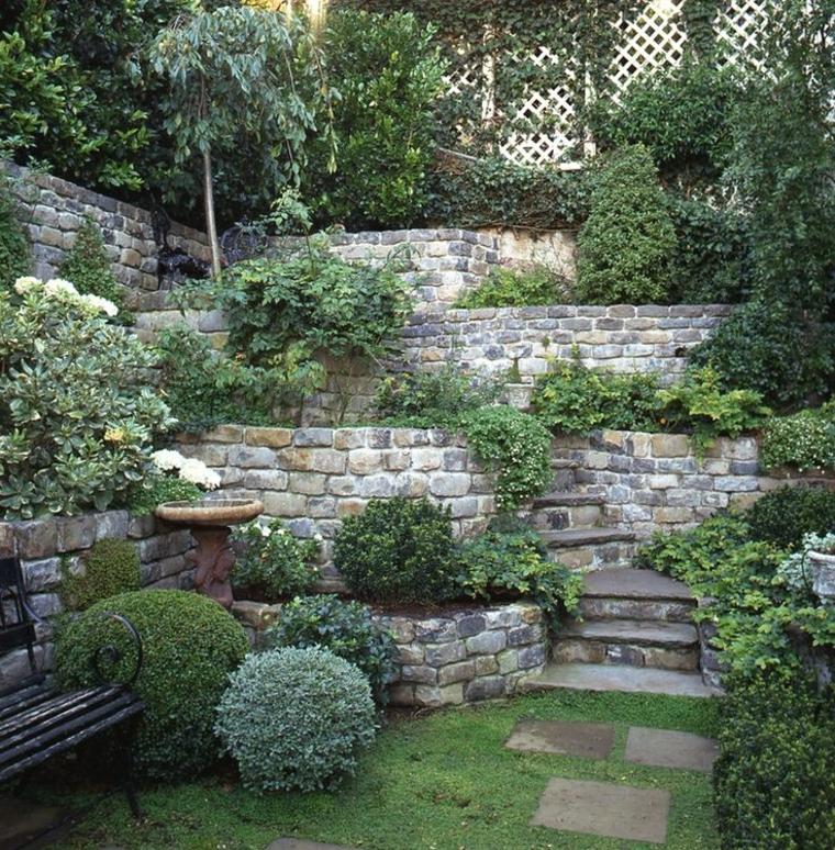 idée de jardin avec pente