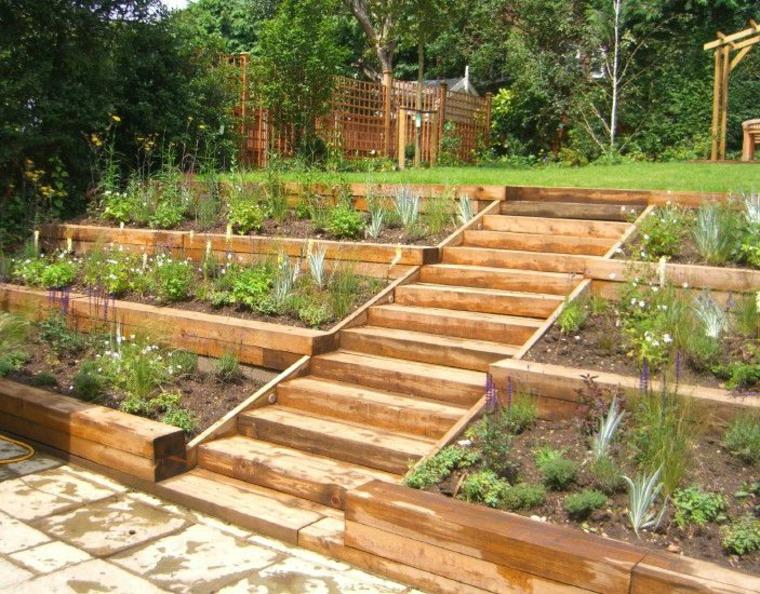 lits de jardin avec marches