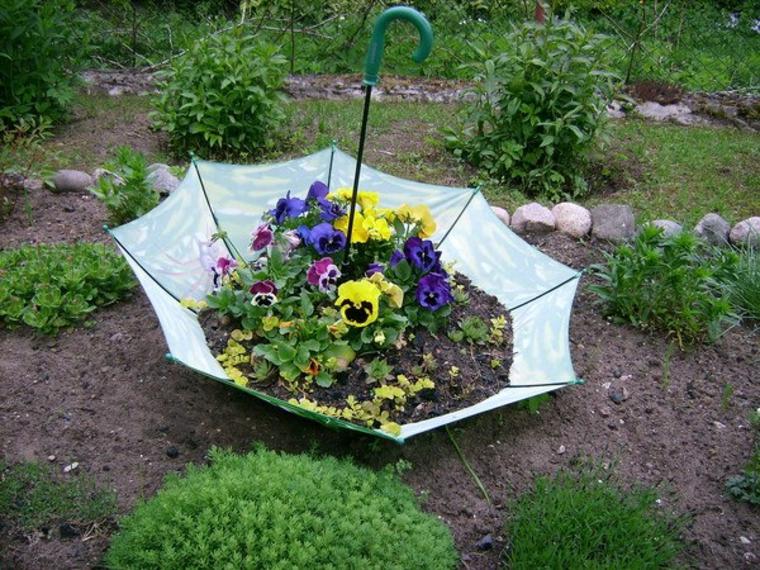 Parapluie décoratif avec des fleurs