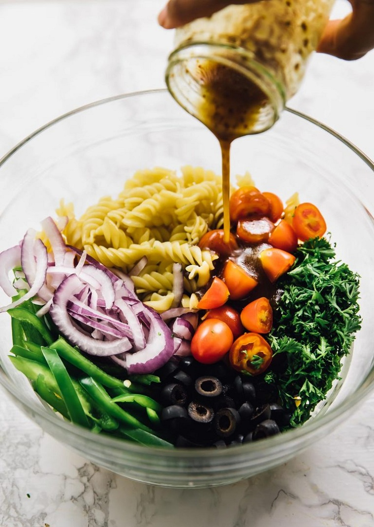 recettes-faciles-et-saines-options-salades-végétaliennes