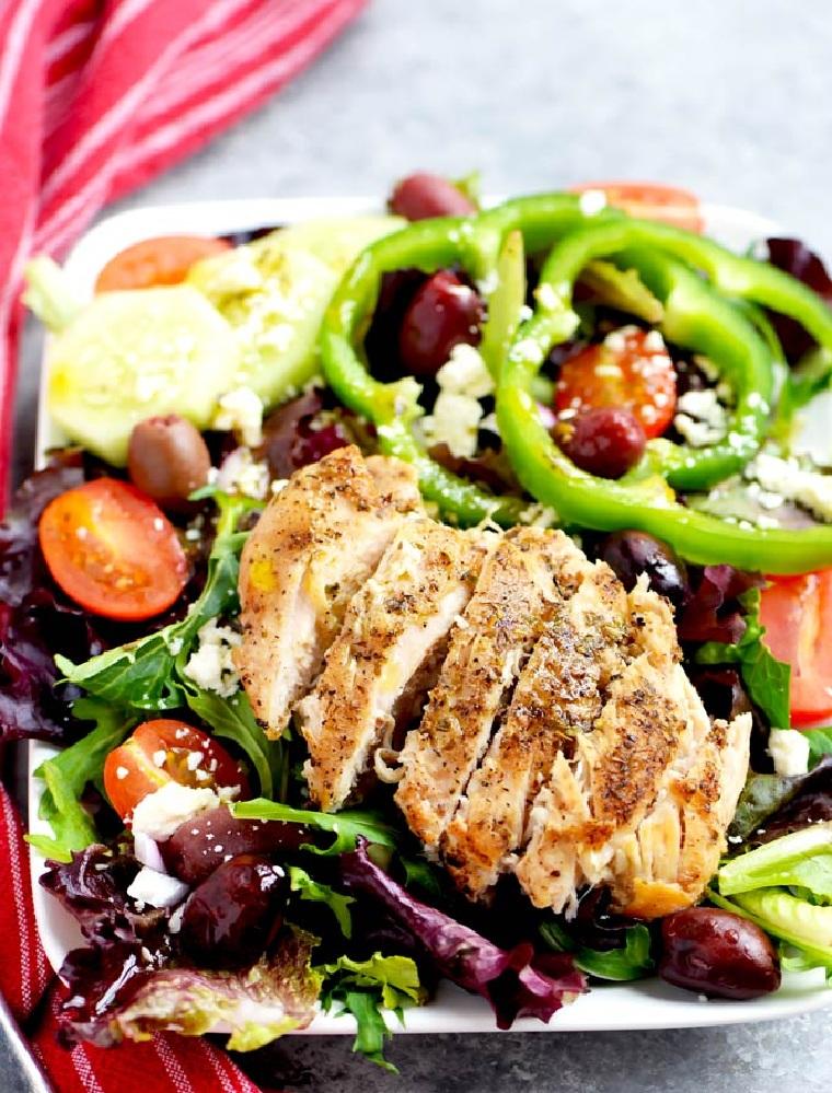 recette-facile-rapide-salade-au-poulet-grecque