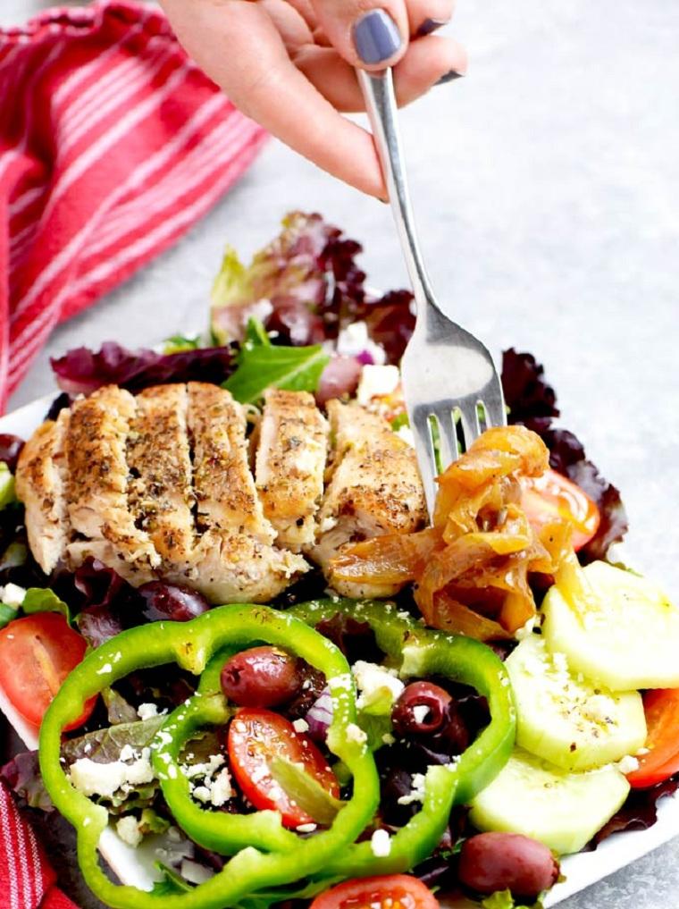recette-facile-rapide-salade-au-poulet-grecque-idées