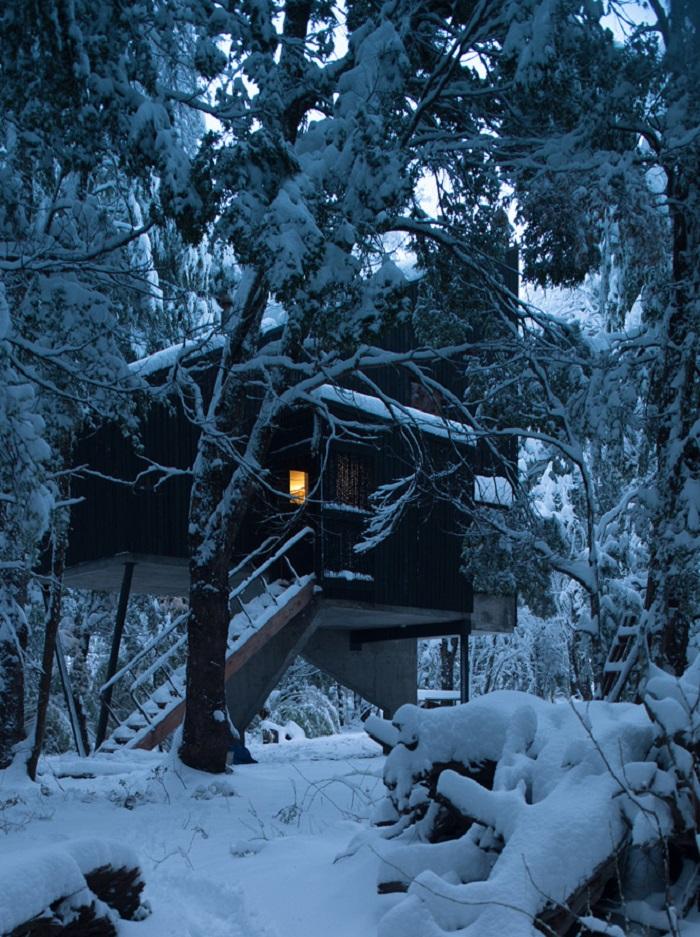design extérieur du chalet neigeux