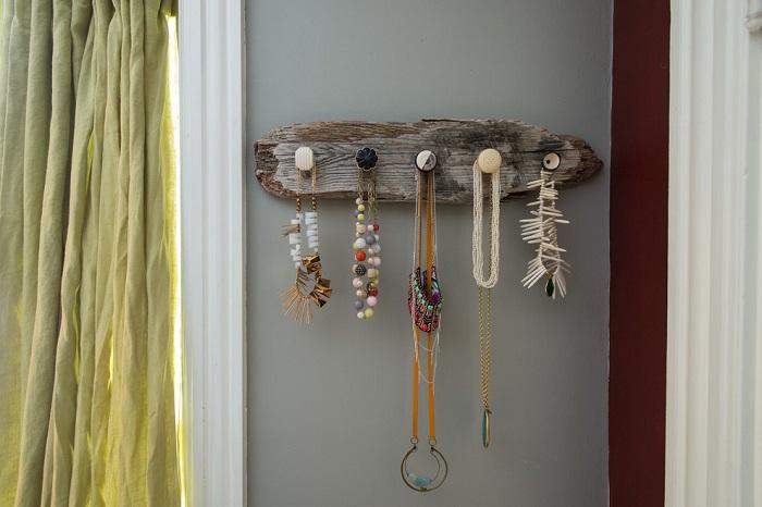 colliers-organisé-maison-moderne