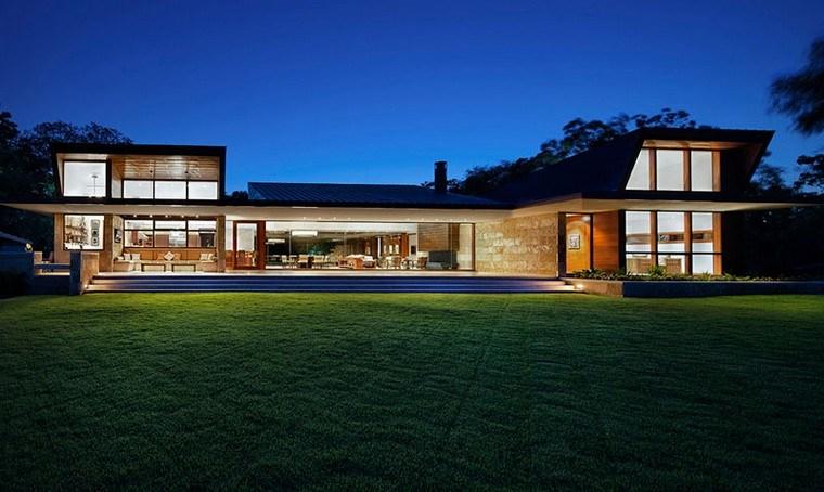façades vitrées spéciales de la maison moderne