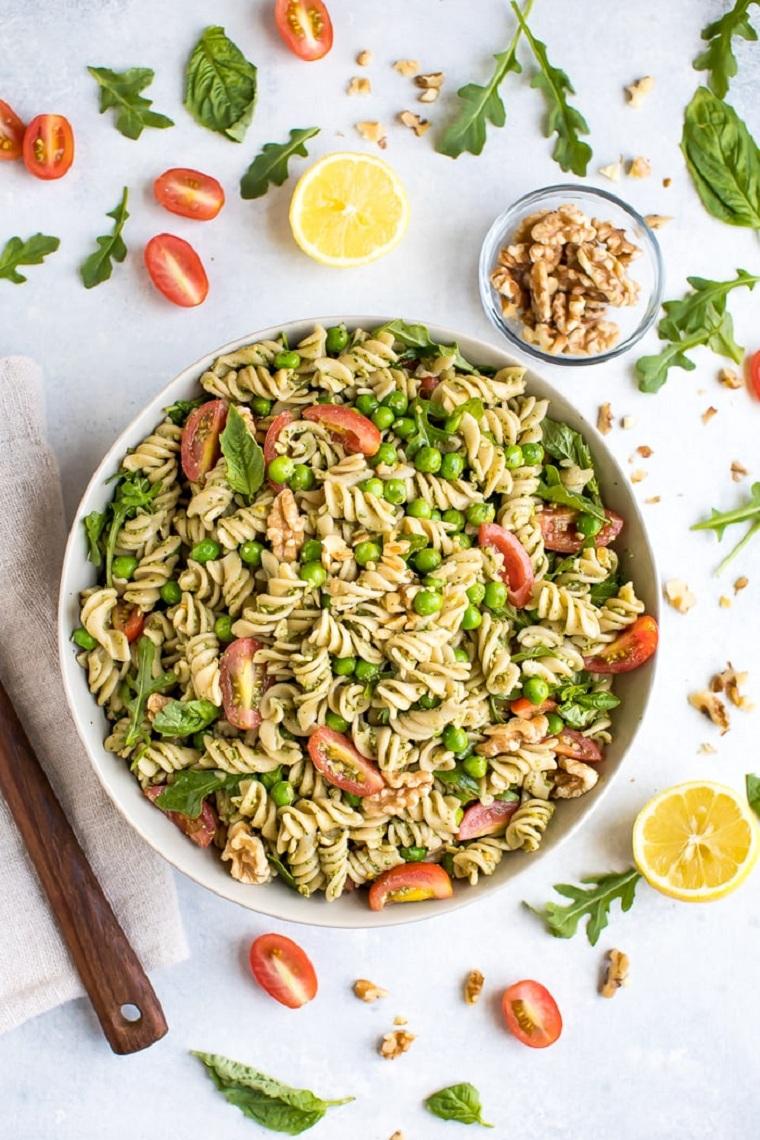 idées de plats végétariens faciles-salade-pâtes-options