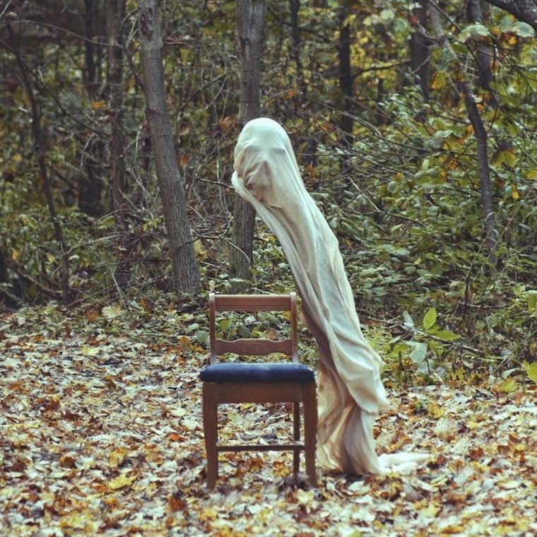 le fantôme et la chaise