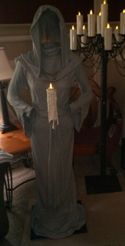 fantôme pour Halloween avec des bougies