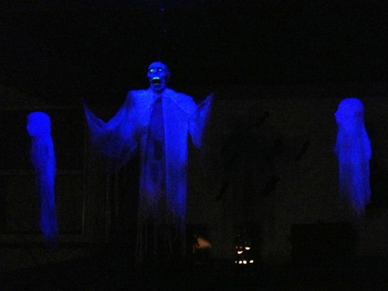 fantômes pour Halloween la nuit