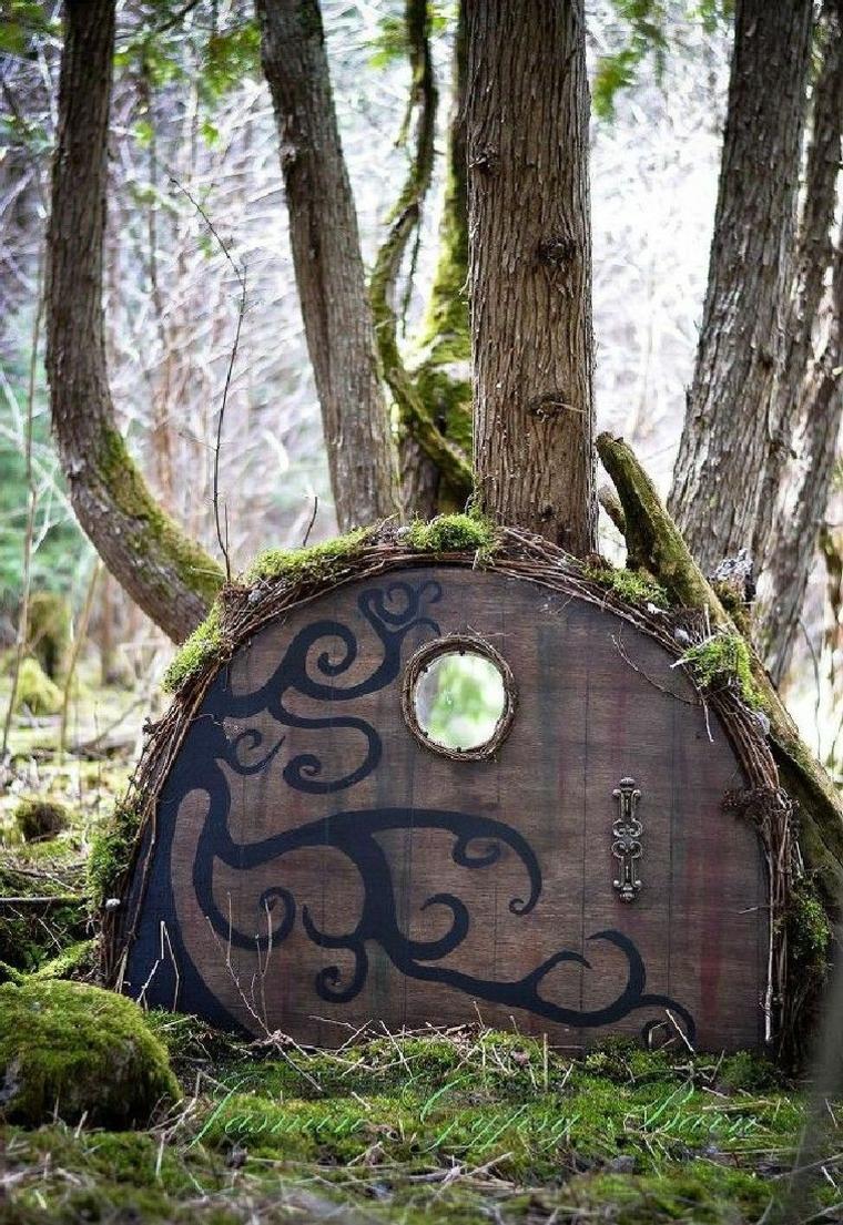 Une porte miniature pour les créatures enchantées